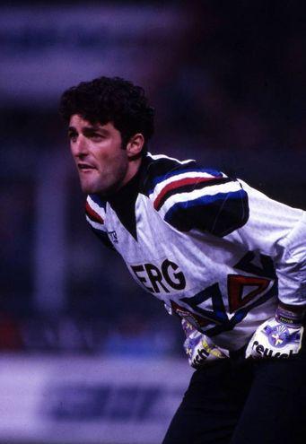 Paliuca con la maglia della Sampdoria (Alive)