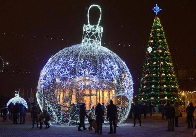 Felice anno nuovo frasi e immagini per augurare buon for Frasi su dicembre