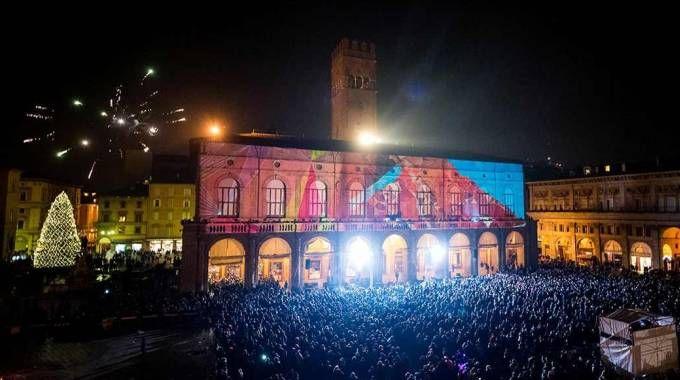 Bologna, Capodanno in piazza Maggiore (Foto d'archivio Schicchi)