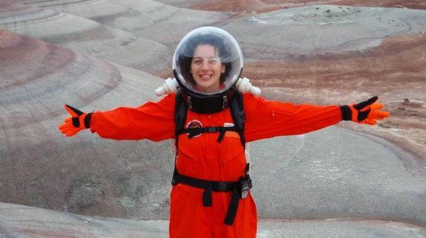 Ilaria Cinelli con la tuta spaziale