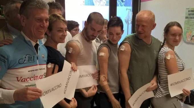 Meningite, Bebe Vio si vaccina con tutta la famiglia (Ansa)