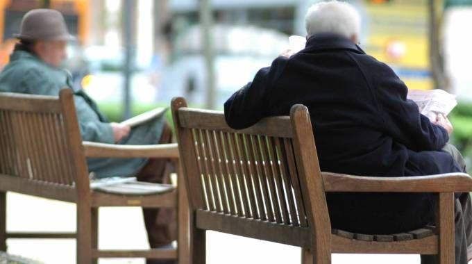 Pensionati, anziani, foto generica (Frascatore)