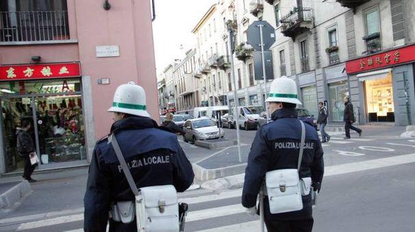 Polizia locale in via Paolo Sarpi, la Chinatown di Milano