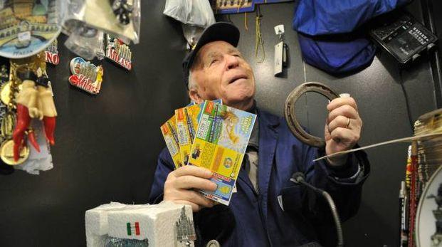 I biglietti della Lotteria Italia (Newpress)