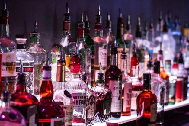 4 - Semaforo rosso per alimenti raffinati e alcolici