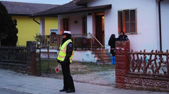Pontelangorino, la casa dove sono stati uccisi i coniugi (Ansa)