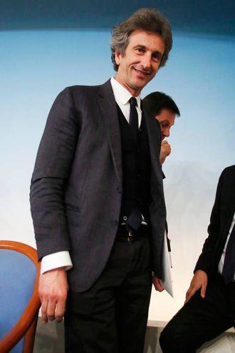 4 - Paolo Perrone