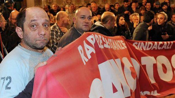 Una protesta dei lavoratori della Franco Tosi (Foto d'archivio)