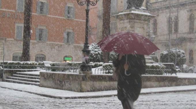 Piazza Roma imbiancata (foto La Bolognese)