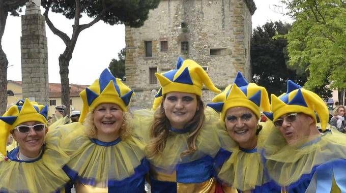 Sotto la Torre si voleva tornare a realizzare la festa rionale con la celebrazione del giovedì grasso. Ora è tutto in forte dubbio