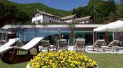 L'hotel Rigopiano prima della slavina (Ansa)