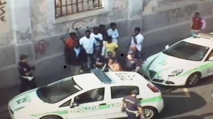 La polizia locale arresta Osman Matammud in via Sammartini