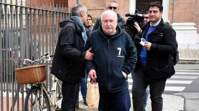 L'indagato Carlo Selvatico all'uscita dal tribunale (foto BP)