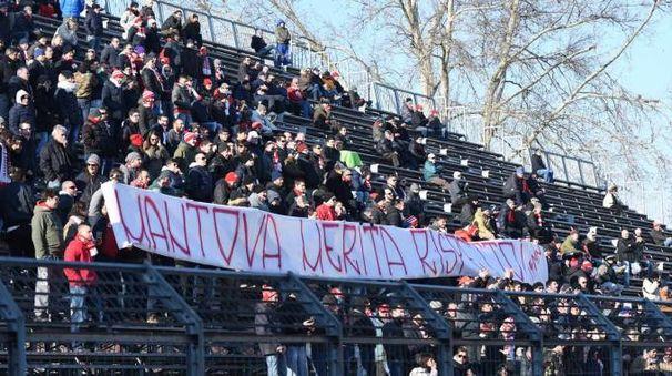 La contestazione dei tifosi del Mantova