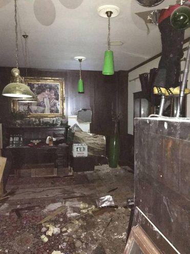 Dentro l'Hotel Rigopiano (Ansa)