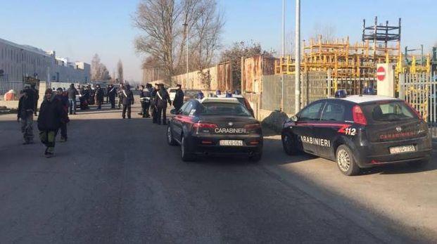 I carabinieri hanno anche regolato il deflusso delle centinaia di partecipanti al rave
