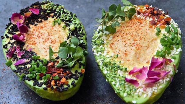 Hummus e avocado – Foto: The Avocado Show , account ufficiale Facebook