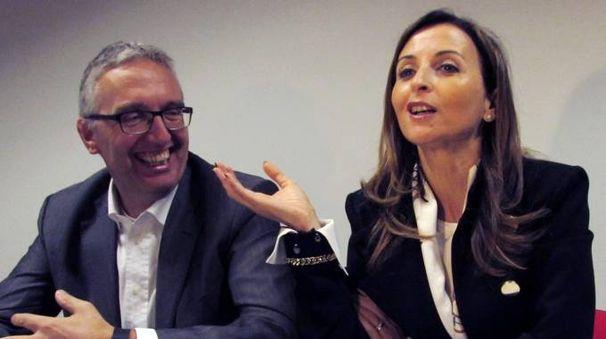 Luca Ceriscioli sorridente con Maria Capalbo (Marche Nord)