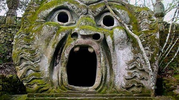 La bocca dell'Orco nel Parco dei Mostri, foto di Federica Bettini
