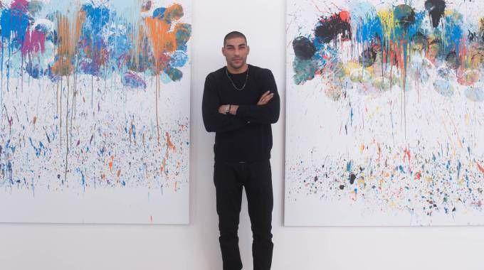 Omar Hassan nello stand Contini ad ArteFiera (foto Schicchi)