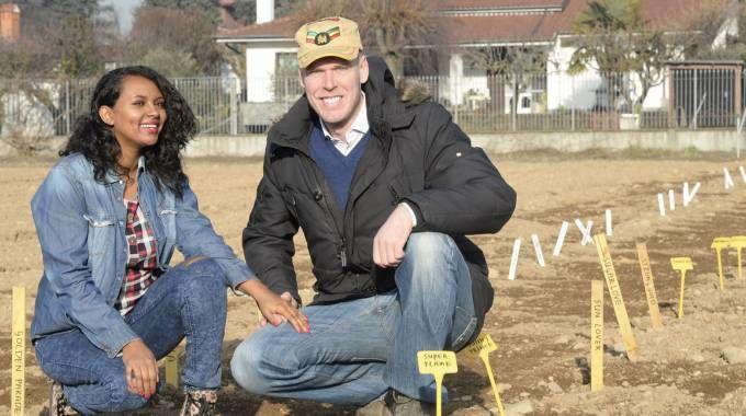 Edwin e Nitsuh sul terreno affittato a Cornaredo
