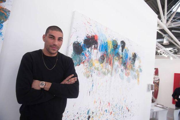 Hassan al Royal Carlton Hotel rappresenta la prima presentazione mondiale del modello di FANGA indossato dall'artista (Schicchi)