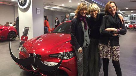 Alla Car: Giada Michetti, Trilli Zambonelli e Margherita Pessina davanti alla Giulia