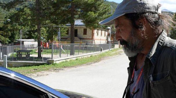 Enzo Rendina è stato per mesi tra le macerie di Pescara del Tronto. Dal 30 ottobre si era trasferito a Borgo di Arquata