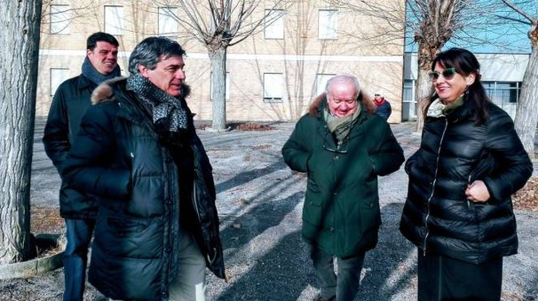 Il sindaco Massimo Seri, Boris Rapa, Giovanni Palazzi e Marina Bargnesi