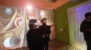 Ignazio Boschetto e  Patrizio Ansaloni, direttore artistico della mostra Dalì Experience, a Palazzo Belloni a Bologna (Foto Schicchi)