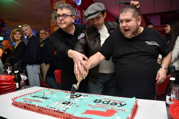 Il taglio della torta (foto Fantini)
