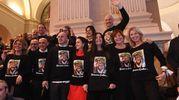 Anche i fan di Bottura si sono organizzati: una maglietta uguale per tutti (Schicchi)