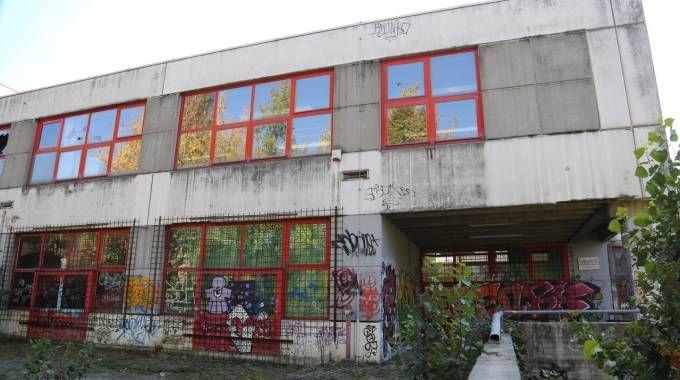Le scuole Carracci, chiuse da anni (Schicchi)