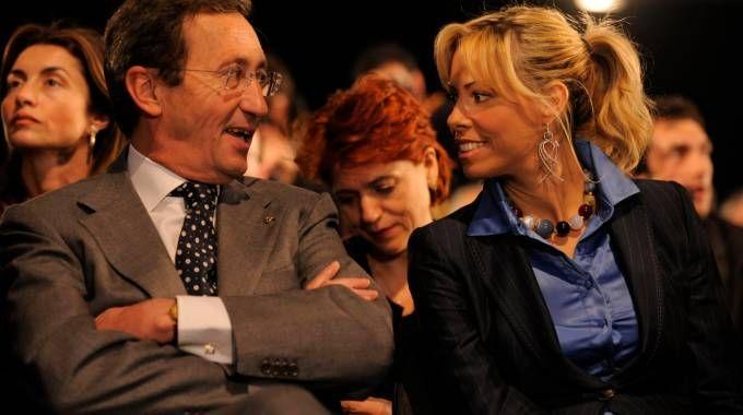 Gianfranco Fini con Elisabetta Tulliani (Newpress)