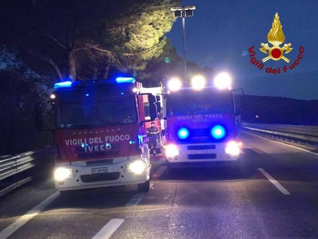 L'intervento dei vigili del fuoco sull'Aurelia