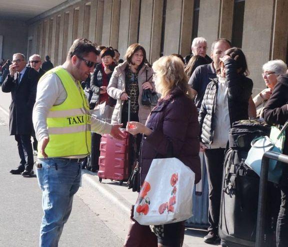 Sciopero dei taxi (New Press Photo)