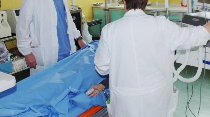 La donna era stata male martedì mattina al lavoro ed era stata ricoverata al San Raffaele