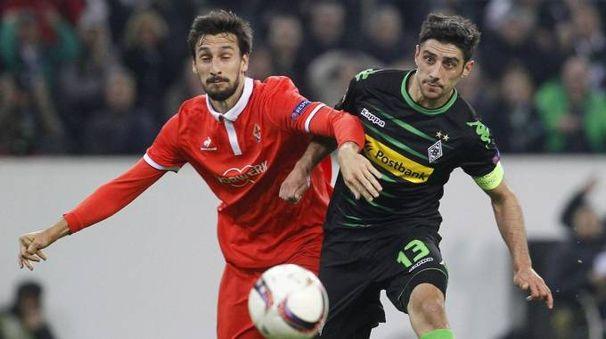 Davide Astori durante la partita Borussia-Fiorentina