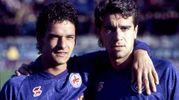Con il suo grande amico Stefano Borgonovo durante gli anni della Fiorentina in cui formavano la famosa coppia 'B2': Baggio starà sempre vicino a Stefano quando questi si ammalerà di Sla; morirà nel 2013 (Foto Archivio)
