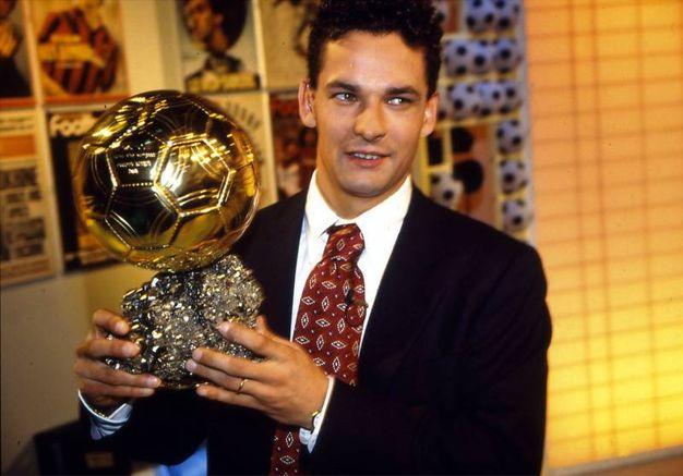Vince il Pallone d'Oro nel 1993, ultimo italiano a conquistare il prestigioso trofeo (Alive)