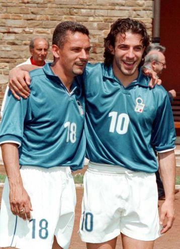Con Alex Del Piero in una foto prima di Francia '98 (Ansa)