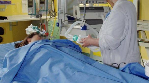 Il ragazzo è ricoverato in ospedale in gravi condizioni