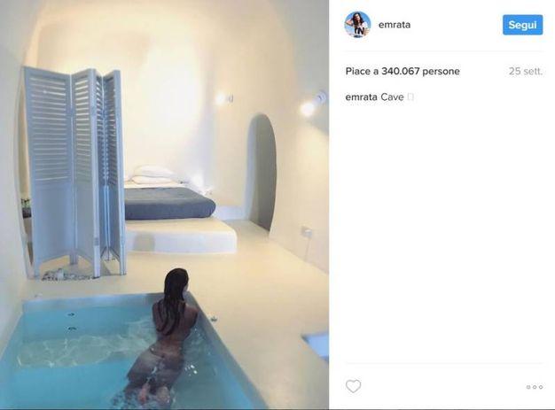 Emily Ratajkowski in Grecia (Instagram)