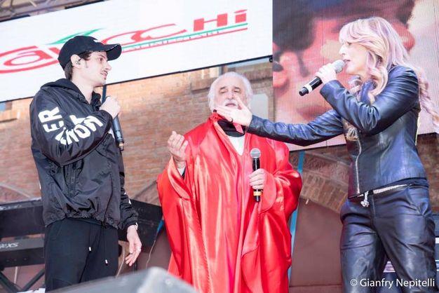 Carnevale di Cento, Fabio Rovazzi sul palco (foto Gianfranco Nepitelli)