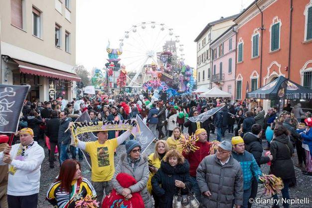 Carnevale di Cento, la sfilata dei carri (foto Gianfranco Nepitelli)