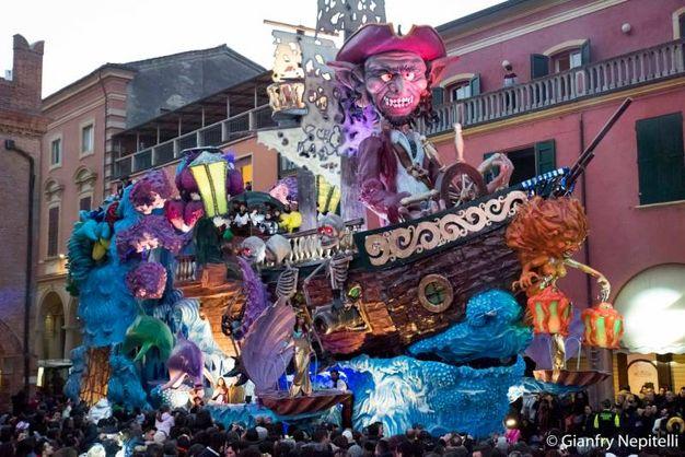 Carnevale di Cento, il carro dei pirati (foto Gianfranco Nepitelli)