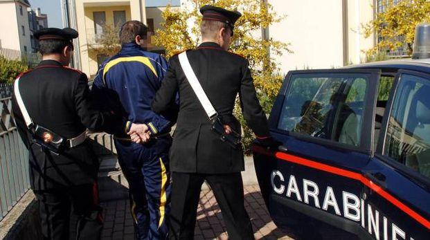 Un arresto dei carabinieri (foto di repertorio)