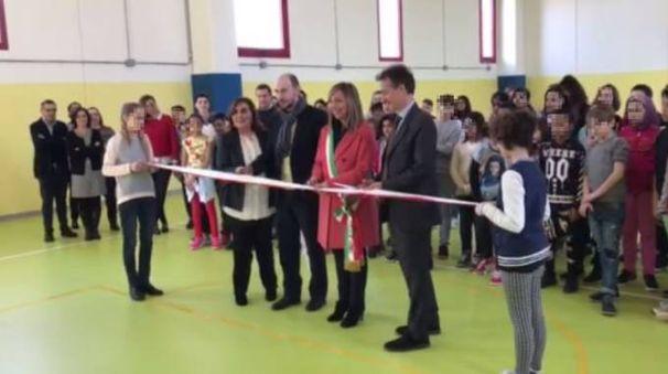 L'inaugurazione della nuova palestra della scuola media Saffi al Pilastro