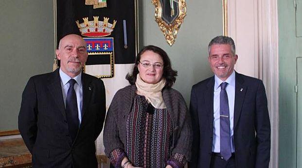 La nuova consigliera Vania Santi con il sindaco Lucchi e il presidente del consiglio comunale Pullini