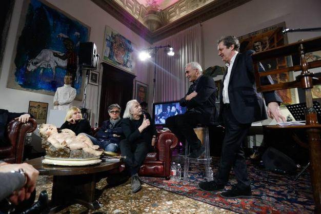 Bologna augusto binelli racconta la foto con lucio dalla - Studio di registrazione in casa ...